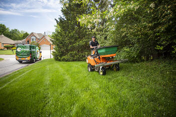 Oasis lawn care technician in Cincinnati